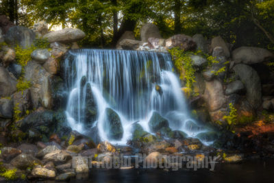 Sonsbeek is a beautiful park in the middle of Arnhem, the Netherlands. This is the waterfall in Sonsbeek park.